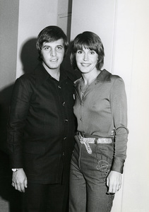 Jeff Wald and Helen Reddy at a benefit for Ramsey Clark 1975Photo by Irv Steinberg** B.D.M. - Image 24293_0202