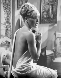 """Elke Sommer in """"The Art of Love""""1965 Universal** B.D.M. - Image 24293_0256"""