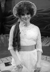 """Linda Ronstadt in """"The Pirates of Penzance"""" (Stage Version)1980Photo by Martha Swope** B.D.M. - Image 24293_0301"""