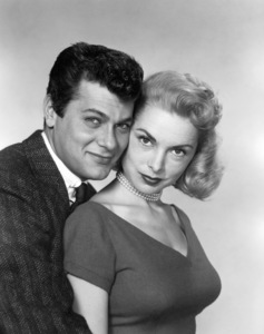 Tony Curtis and Janet Leigh1954** B.D.M. - Image 24293_0338