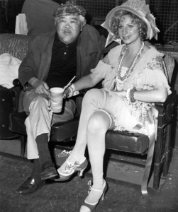 "James Wong Howe and Barbra Streisand on the set of ""Funny Lady""1975 Columbia** B.D.M. - Image 24293_0355"