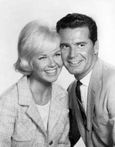 """Move Over, Darling""Doris Day, James Garner1963 20th Century-Fox** B.D.M. - Image 24293_0392"