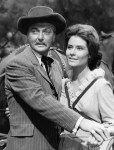 "Jack Cassidy and Diane Baker in ""Bonanza"" (Episode: ""Cassie"")1971 ** B.D.M. - Image 24293_0485"