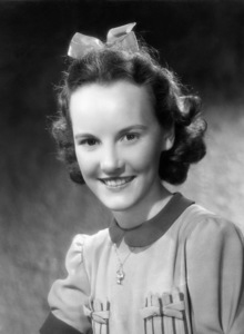 "Petula Clark publicity portrait for ""Vote for Huggett""1949 Gainsborough PicturesPhoto by Cyril Stanborough** B.D.M. - Image 24293_0498"
