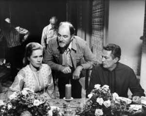 """Liv Ullmann, Charles Jarrott and Peter Finch on the set of """"Lost Horizon""""1973 Columbia** B.D.M. - Image 24293_0532"""