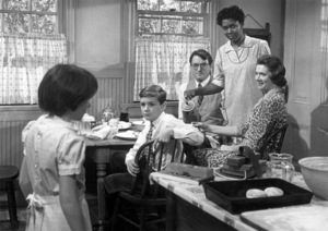 """Mary Badham, Phillip Alford, Gregory Peck, Estelle Evans and Rosemary Murphy in """"To Kill A Mockingbird""""1962 Universal** B.D.M. - Image 24293_0566"""