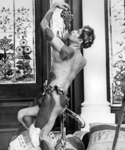 "Rudolf Nureyev in ""Valentino""1977 UA** B.D.M. - Image 24293_0570"