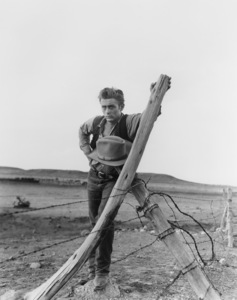 "James Dean filming ""Giant"" in Marfa, Texas1955 Warner Bros.** B.D.M. - Image 24293_0612"