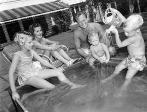 Virginia Holden, Brenda Marshall, William Holden, Scott Holden and Peter Holdencirca 1947** B.D.M. - Image 24293_0851