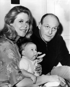 Elizabeth Montgomery, William Asher and their son Robert AsherDecember 13, 1965** B.D.M. - Image 24293_0871