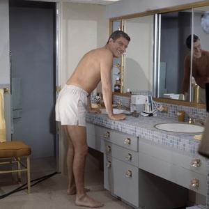 """Dick Van Dyke in """"Divorce American Style""""1967 Columbia** B.D.M. - Image 24293_0933"""