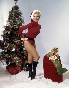 """Mitzi Gaynor in """"The Kraft Music Hall Presents: The Mitzi Gaynor Christmas Show""""1967Photo by Herb Ball** B.D.M. - Image 24293_0993"""