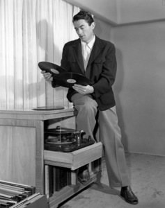 Gregory Peck in his Pacific Palisades home 1947** B.D.M. - Image 24293_1011