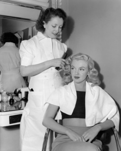Marilyn Monroe had her hair set by Helen Hunt for a hairstyle show at the Wilshire Ebell Theatre1948** B.D.M. - Image 24293_1115