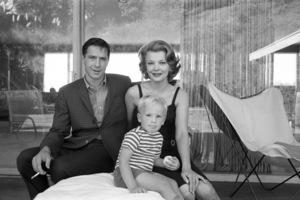 John Cassavetes, Gena Rowlands and Nick Cassavetescirca 1962© 1978 Leo Fuchs** B.D.M. - Image 24293_1127
