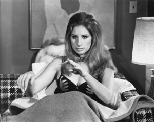 """Barbra Streisand in """"The Owl and the Pussycat""""1970 Columbia** B.D.M. - Image 24293_1251"""