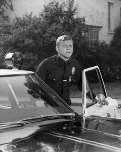 """Martin Milner in """"Adam-12""""1968** B.D.M. - Image 24293_1280"""