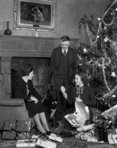 Deanna Durbin and her parents circa 1937** B.D.M. - Image 24293_1335