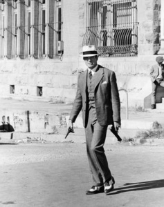 "Warren Beatty in ""Bonnie and Clyde""1967 Warner Bros.** B.D.M. - Image 24293_1355"