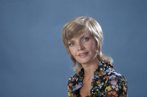 """Florence Henderson in """"The Brady Bunch""""circa 1970s** B.D.M. - Image 24293_1492"""