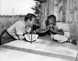 """Paul Newman and Eugene White on location near Baton Rouge, Louisiana filming """"The Long, Hot Summer""""1958 20th Century-Fox** B.D.M. - Image 24293_1547"""