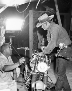 "Alex Cord on the set of ""Stagecoach""1966 20th Century-Fox** B.D.M. - Image 24293_1599"