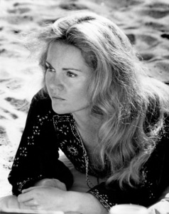 """Tuesday Weld in """"Play It As It Lays""""1972 Universal** B.D.M. - Image 24293_1658"""