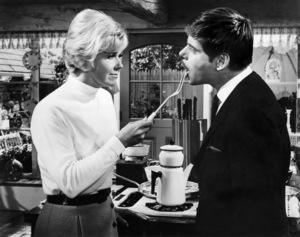 """Doris Day and  Robert Morse in """"Where Were You When the Lights Went Out""""1968 MGM** B.D.M. - Image 24293_1692"""