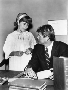 """Patty Duke and Troy Donahue in """"The Patty Duke Show"""" (Episode: Operation Tonsils)1965** B.D.M. - Image 24293_1767"""