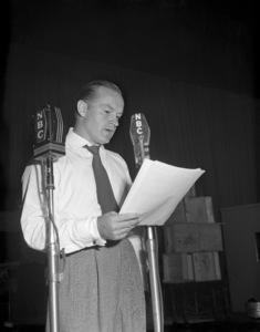 """The Bob Hope Show""Bob HopeOctober 9, 1946Photo by Earl Zeigler** B.D.M. - Image 24293_1820"