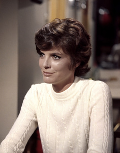 """Katharine Ross in """"Hellfighters""""1968 Universal** B.D.M. - Image 24293_1893"""