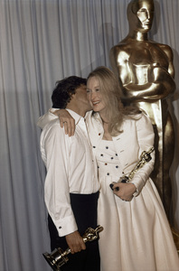 """Dustin Hoffman, Meryl Streep backstage at """"The 52nd Annual Academy Awards"""" ceremony at the Dorothy Chandler Pavilion April 14, 1980 ** B.D.M."""