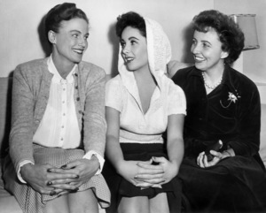 """Frieda Inescort, Elizabeth Taylor and Sara Taylor on the set of """"A Place in the Sun""""1951 Paramount** B.D.M. - Image 24293_1979"""