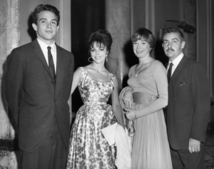 Warren Beatty, Joan Collins, Shirley MacLaine and Steve Parkercirca 1960** B.D.M. - Image 24293_1995