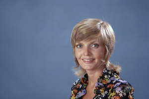 "Florence Henderson in ""The Brady Bunch""1971** B.D.M. - Image 24293_1998"