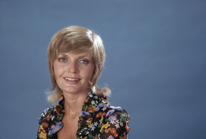 """Florence Henderson in """"The Brady Bunch""""1971** B.D.M. - Image 24293_1999"""