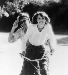 Captain & Tennille (Daryl Dragon, Toni Tennille)circa 1976** B.D.M. - Image 24293_2083