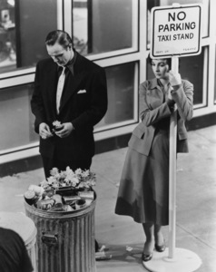 "Marlon Brando and Jean Simmons in ""Guys and Dolls"" 1955 MGM / Samuel Goldwyn ** I.V. - Image 24293_2371"
