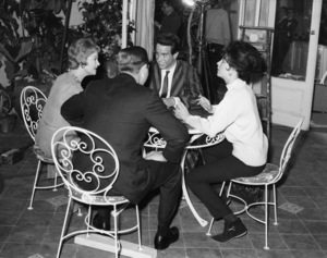 "Vivien Leigh, Warren Beatty and Joan Collins on the set of ""The Roman Spring Of Mrs. Stone""1961 Warner Bros.** B.D.M. - Image 24293_2562"