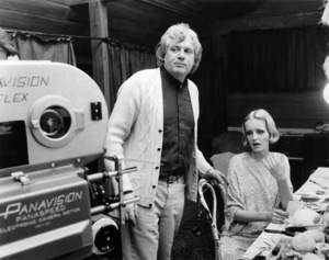 """Director Ken Russell and Twiggy on the set of """"The Boy Friend""""1971 MGM** B.D.M. - Image 24293_2617"""