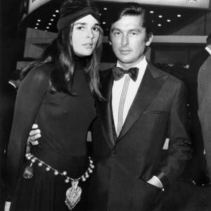 "Ali MacGraw and Robert Evans at the Hollywood premiere of ""Paint Your Wagon"" at the Cinerama DomeOctober 22, 1969** B.D.M. - Image 24293_2690"