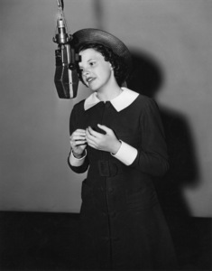 """Judy Garland recording a song for the MGM musical, """"Broadway Melody of 1938""""1937** B.D.M. - Image 24293_2776"""