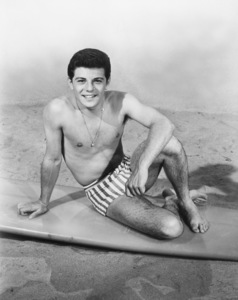 """Frankie Avalon in """"Muscle Beach Party""""1964 A.I.P.** B.D.M. - Image 24293_2901"""
