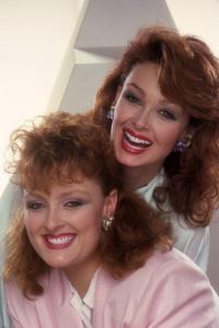 The Judds (Naomi Judd, Wynonna Judd)1985© 1985 Mario Casilli - Image 24294_0005