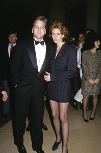 """The 48th Annual Golden Globe Awards""Kiefer Sutherland, Julia RobertsJanuary 19, 1991© 1991 Gary Lewis - Image 24300_0146"