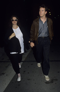 Debra Winger and Timothy Huttoncirca 1987© 1987 Gary Lewis - Image 24300_0167