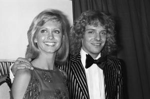 Olivia Newton-John and Peter Framptoncirca 1975© 1978 Gary Lewis - Image 24300_0254