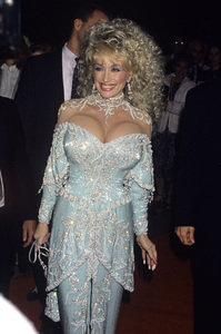"""Dolly Parton attends the """"Steel Magnolias"""" premiereNovember 9, 1989© 1989 Gary Lewis - Image 24300_0398"""