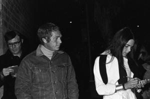 Steve McQueen and Ali MacGrawcirca 1972© 1978 Gary Lewis - Image 24300_0413