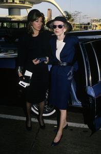 Bette Davis and her secretary Kathy Sermakcirca 1982© 1982 Gary Lewis - Image 24300_0437